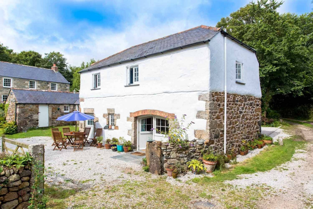 Click here for more about Higher Tregidden Cottages