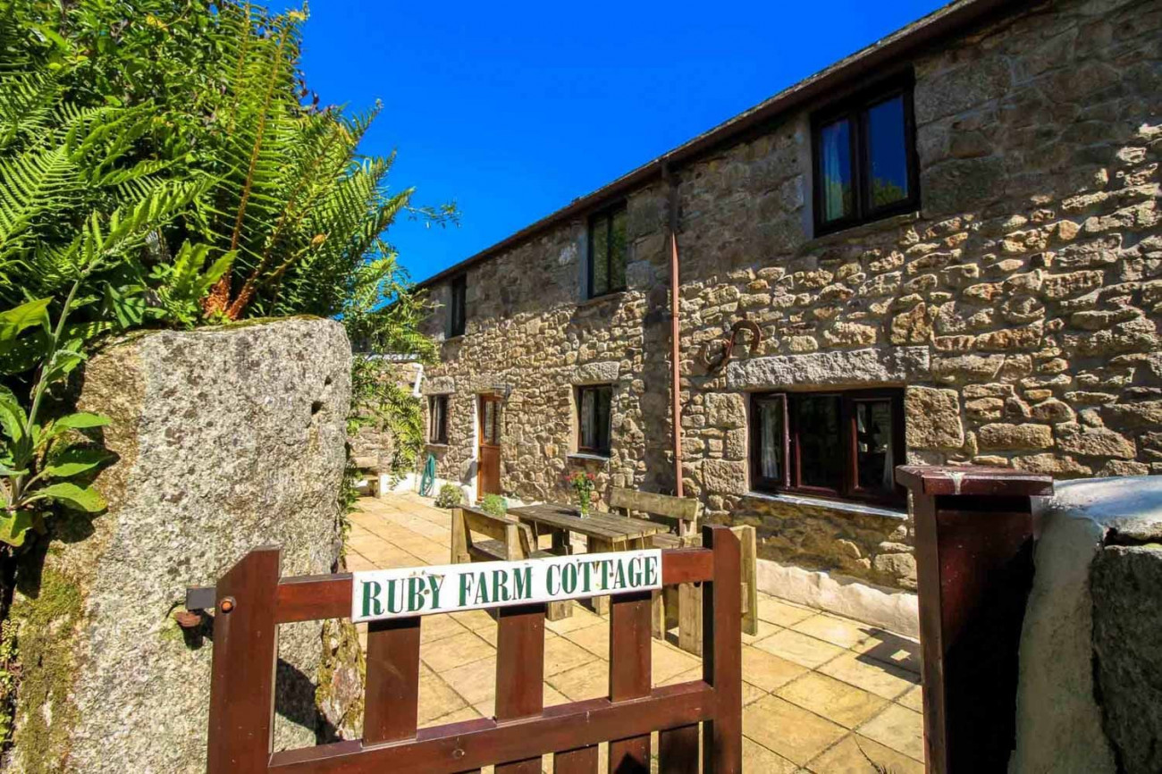 Click here for more about Ruby Farm Cottage