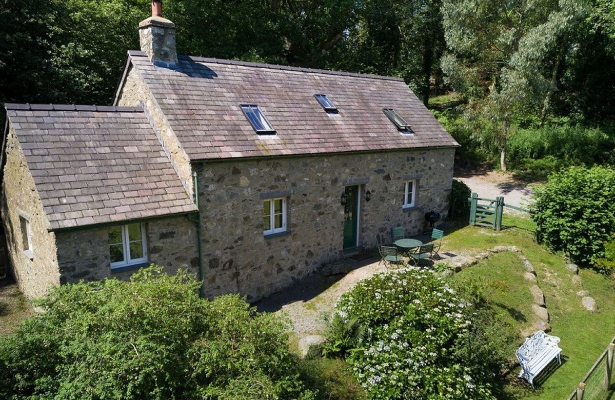 Click here for more about Tyddyn Derwen