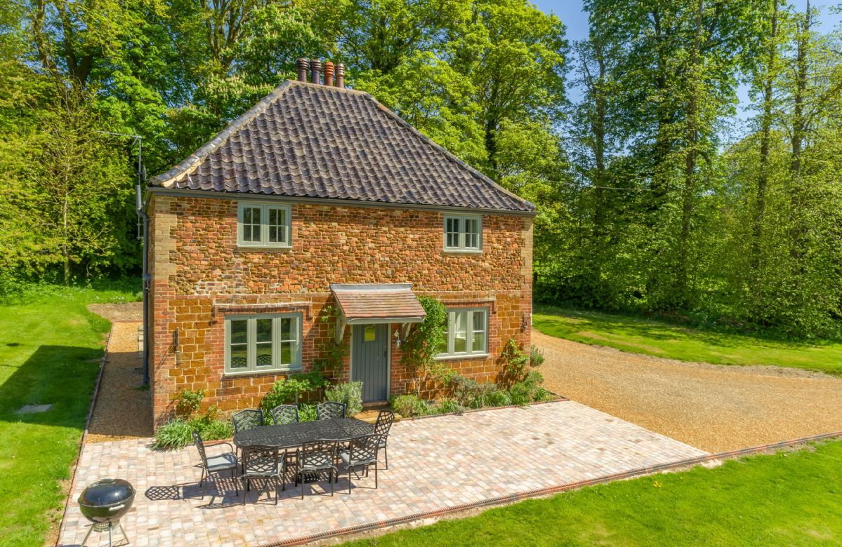Click here for more about Park Cottage
