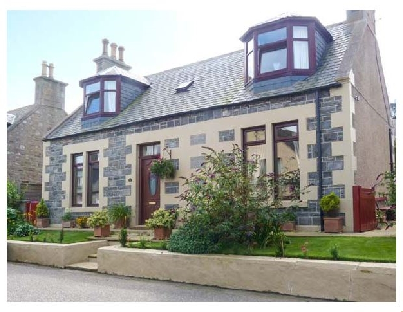 Click here for more about Moray Mirth Cottage