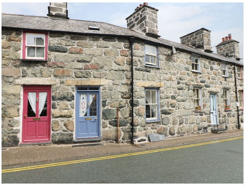 Click here for more about 4 Cader Road