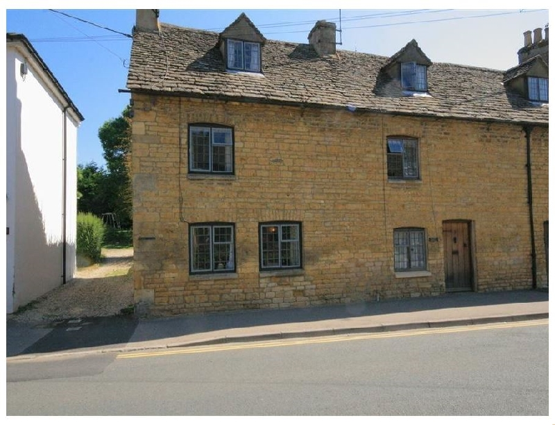 Click here for more about Newbury Cottage