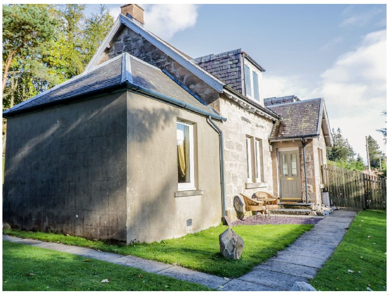 Click here for more about 2 Station Cottages