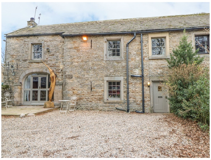 Click here for more about 2 The Coach House
