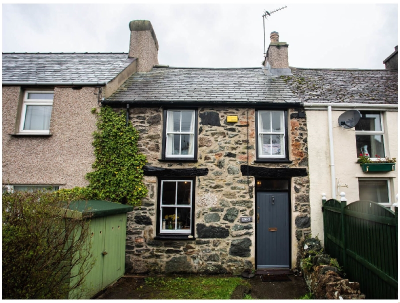 Click here for more about Cwrt Cottage