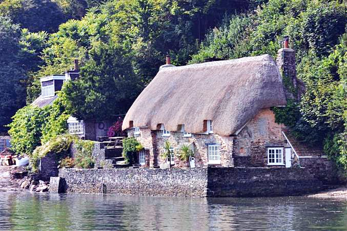 Click here for more about Smuggler's Cottage